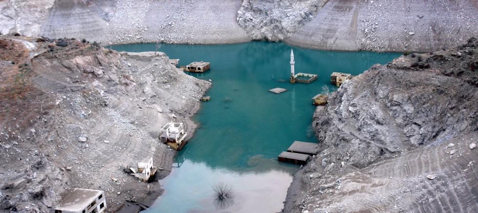 Çoruh üzerindeki 3 barajda su seviyesi azaldı