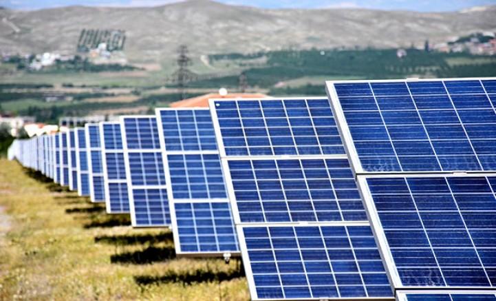 Hayvanlar güneş enerjisiyle sulanıyor