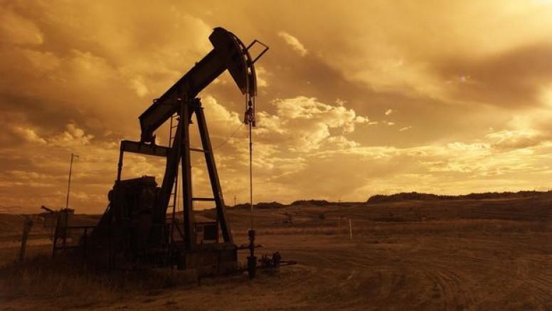 Petrol düşüş sonrası yatay seyrediyor