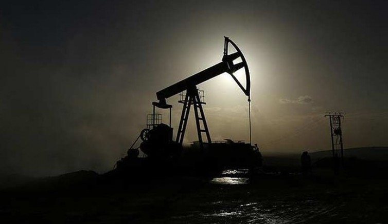 Petrol haftaya sert düşüşle başladı