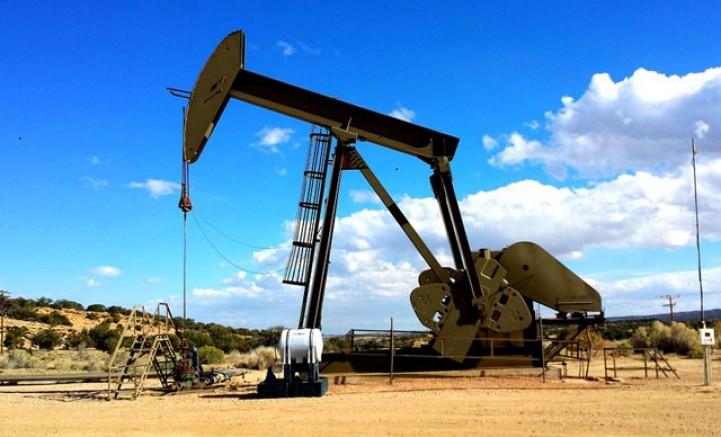Petrol tepki alımlarıyla yükseldi