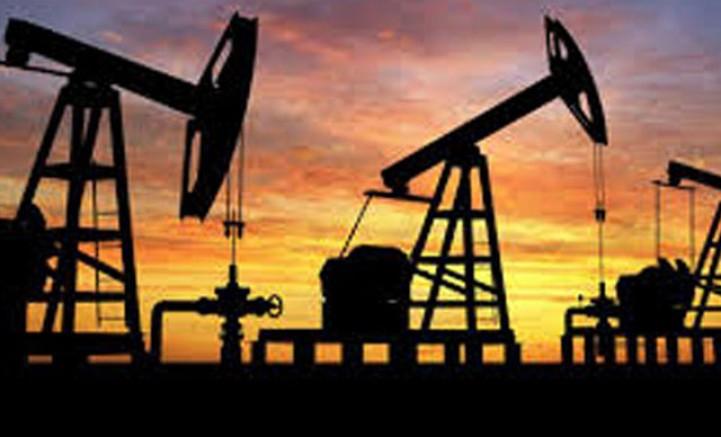 Stoklardaki artışla petrol fiyatları düştü