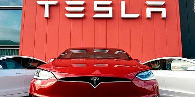 Tesla ikincilik koltuğunda